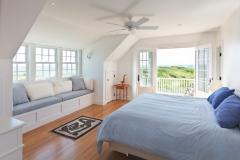 Bedroom-built-in-bench-with-storage